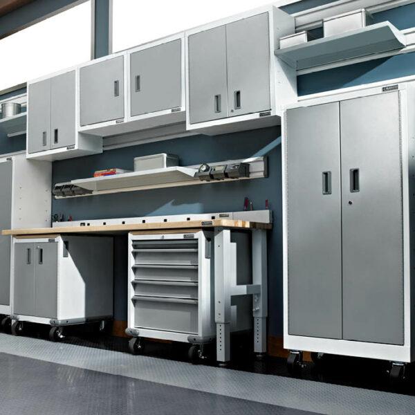 Installazione armadio mobile Garage Mania