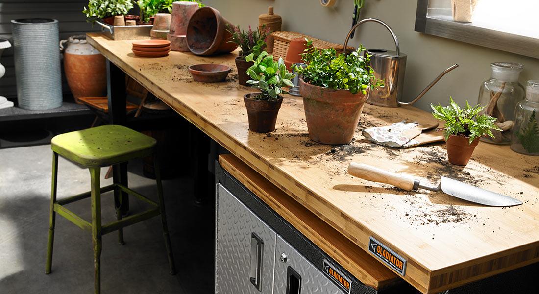 Crea in garage il tuo angolo giardinaggio personalizzato con Garage Mania