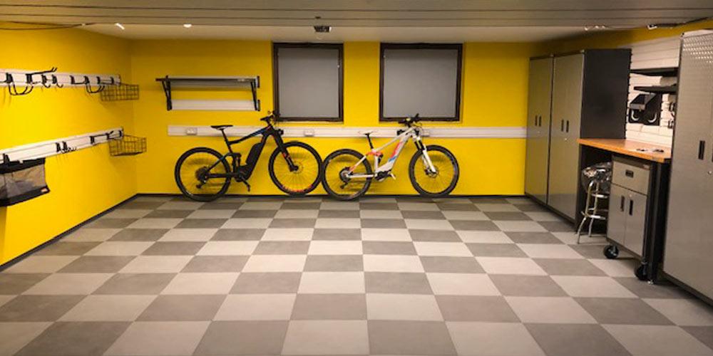 Progetto Bressanone progettazione e installazione arredamento garage by Garage Mania con prodotti Gladiator