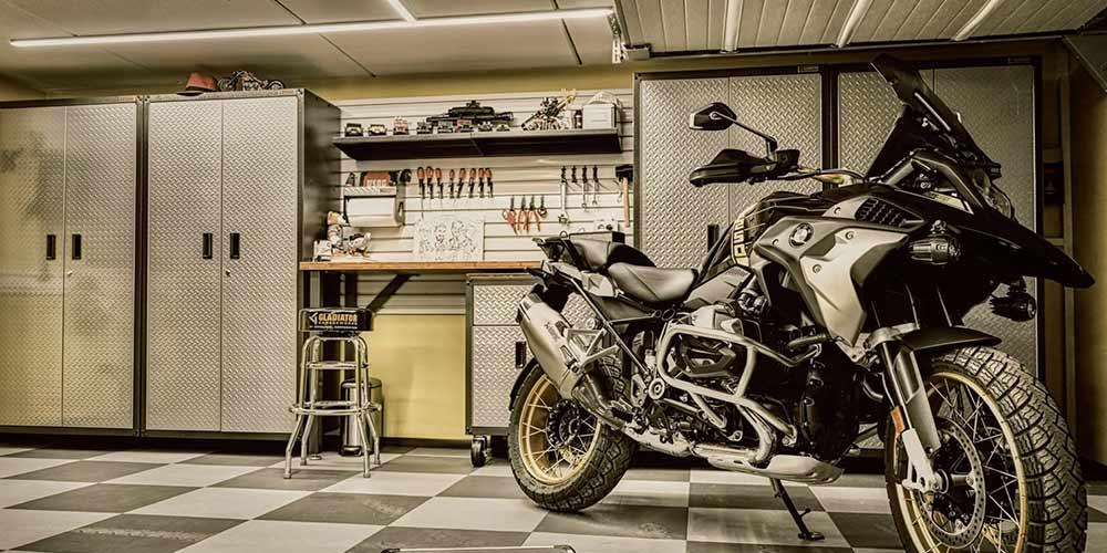 Arreda la tua officina meccanica con i mobili per garage di Garage Mania